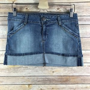 DKNY Mini Denim Rolled Up Skirt (Bin: SK116)